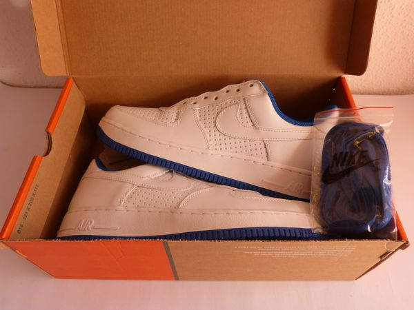 Air Force One LE stars