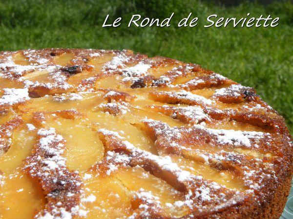 Gâteau renversé pommes-raisins au lait concentré sucré