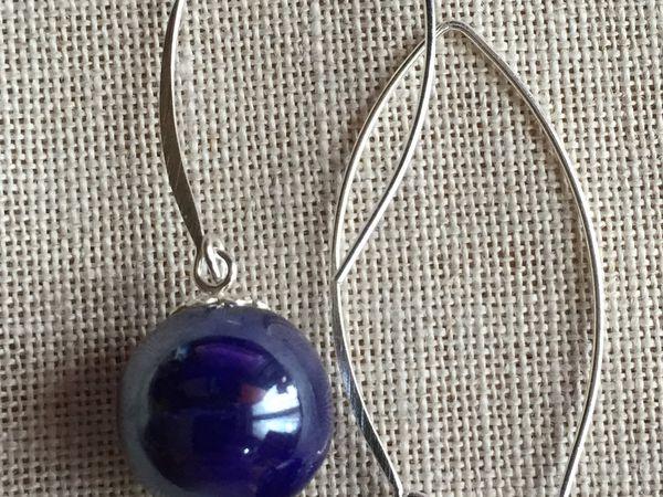 Série Calder, boucles d'oreilles avec perles en porcelaine et cristal
