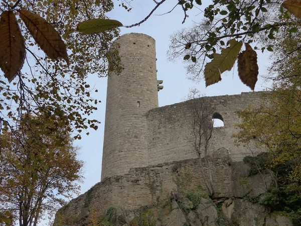 HUNGERPLATZ, châteaux Spesbourg et d'Andlau
