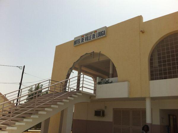 Dans l'ordre des photos: le Maire de Louga, le 1er adjoint Moktar Diop, Ibrahima Diop responsable des projets, Ibrahima Diop et les conseillères municipales, la délégation officielle.