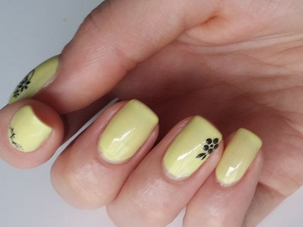 pearly light yellow