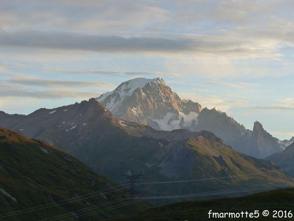 Mont-Blanc au Nord-Est et Mont Pourri au sud