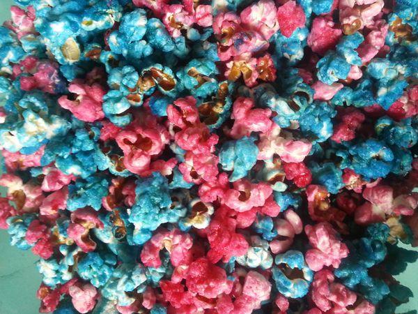Popcorn colorés sucrés