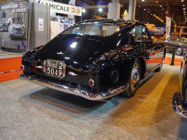 Gros plan Alfa Roméo 6C 2500 à Rétromobile