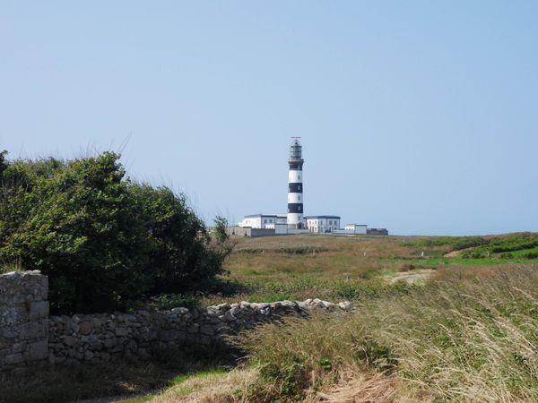226 -   L'île d'Ouessant 03, escale, balade côte nord ouest, phare et sémaphore du Creac'h, chapelle Notre Dame de Bon Voyage, pointe de Pern, phare de Nividic