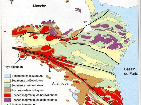 Carte géologique montrant les deux grandes failles qui aboutissent à la Pointe du Raz... Doc CEA et Coupure de presse Ouest-France du 2/10/2002.