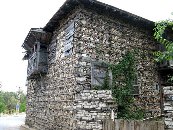 Maison à Ormana - Göloyasi - Selje - Lac d'Egirdir