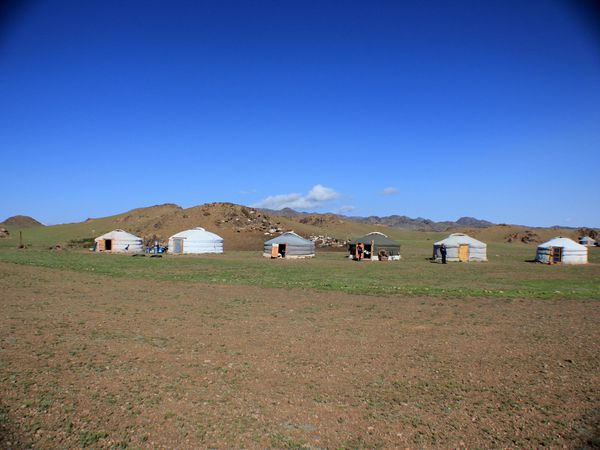 Mongolian pieces of life in the Gobi - Part 1