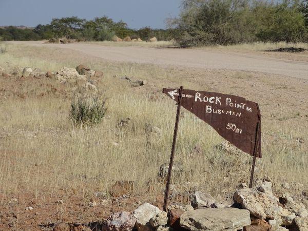 pas de guide dans l'un des 2500 sites peints....le jeu de piste commence pour trouver les gravures rupestres.