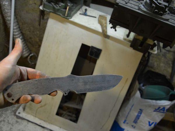 Etape 1 : Naissance du Résilient dans les ateliers de la coutellerie Trèfle.