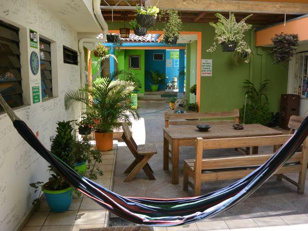 Top 5 des hébergements : 1.Casa Verde à Santa Ana (El Salvador), 2.Casa Nelly à San Agustin (Colombie), 3.Hostel Centro Historico Regina à Mexico (Mexique), 4.Spondyllus à Ayampe (Equateur), 5.Casa de David à La Havane (Cuba)