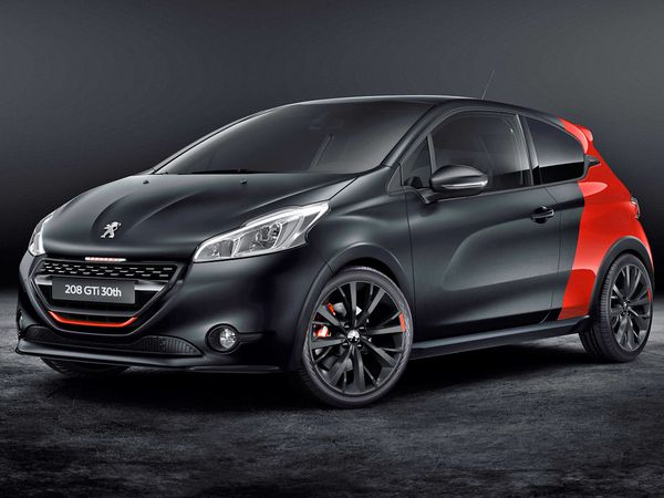 PEUGEOT 208 GTi 30th ANNIVERSARY AT GOODWOOD