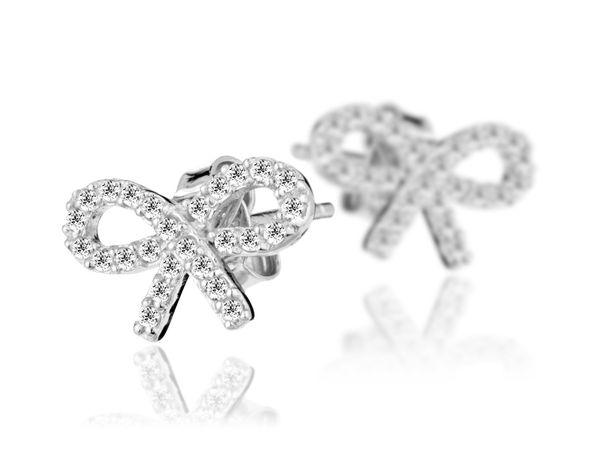 Célébrez l'amour et la Saint-Valentin avec la sélection de bijoux Linea Chic...