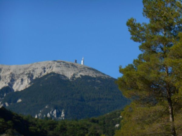 1- La Sentinelle que l'on va voir souvent... de loin. 2 et 3- Rémi et Yves en haut du Fontaube.