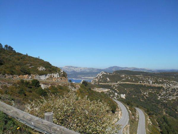 Une route magnifique : celle des Crêtes avec une vue sur la mer et sur Cassis splendide ! Il me fait peur le grand...