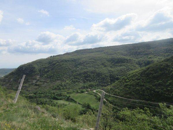 La superbe descente du col du Bénas vers Privas, une vue époustouflante et quel plaisir.
