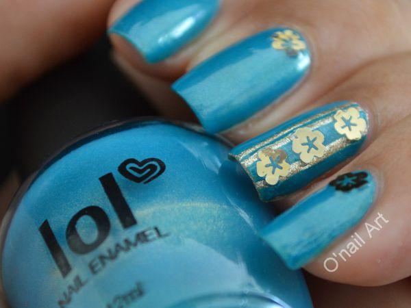 """Stickers métal or fleur sur """"Bleu Caraïbes"""" LOL BYS maquillage"""