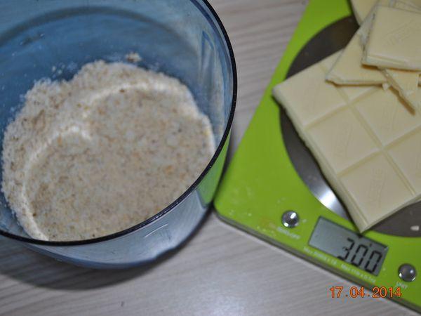 Pâte à tartiner au chocolat blanc et aux noisettes☺