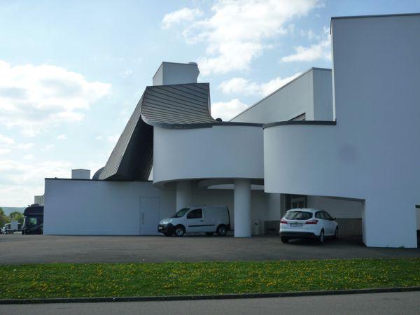 Les différents halls de production de trois architectes différents (voir le plan en début d'article).
