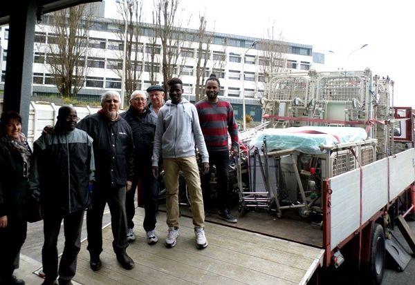 Un grand merci à tous pour cette action de solidarité, et Merci à Jean-Claude et Michel pour le prêt du camion...