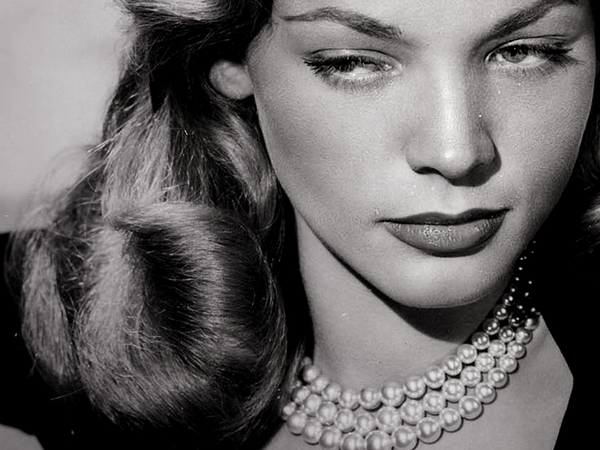 LAUREN BACALL, LE PLUS BEAU REGARD D'HOLLYWOOD S'EST ETEINT