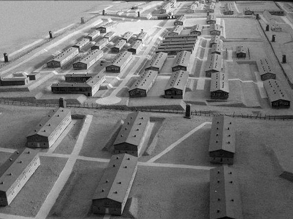 1. le Camp 2. baraquement N° 40  3. vue du camp 4. le crématorium à la libération du camp. 5, le crématorium aujourd'hui. 6. la fosse des victimes 7. la carrière de granit