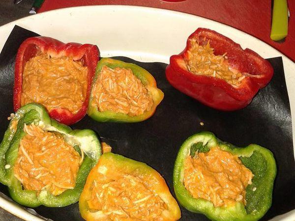 Poivrons farcis au thon à la tomate