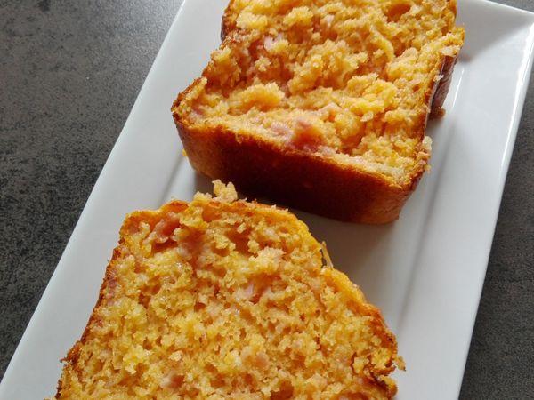 Cake salé jambon feta sauce tomate