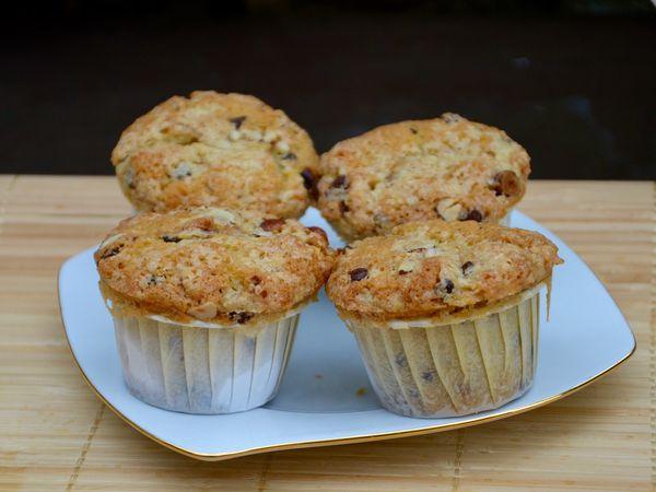 Muffins aux noisettes et pépites chocolat