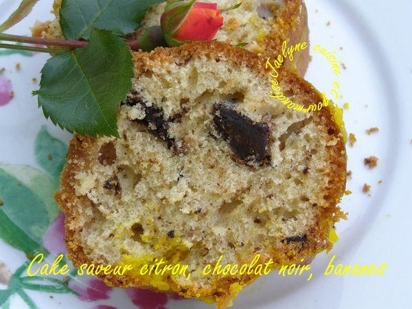 Cake saveur citron, chocolat noir, bananes dans un moule à savarin Jaclyne www.cuisineetgourmandise.fr