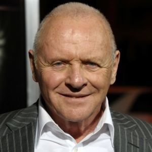 anthony hopkins un immense acteur anglais doubl d 39 un virtuose au piano et d 39 un compositeur. Black Bedroom Furniture Sets. Home Design Ideas