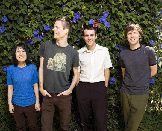deerhoof, un groupe de rock indépendant de san francisco à l'univers sonore étrange et aux panachages stylistiques
