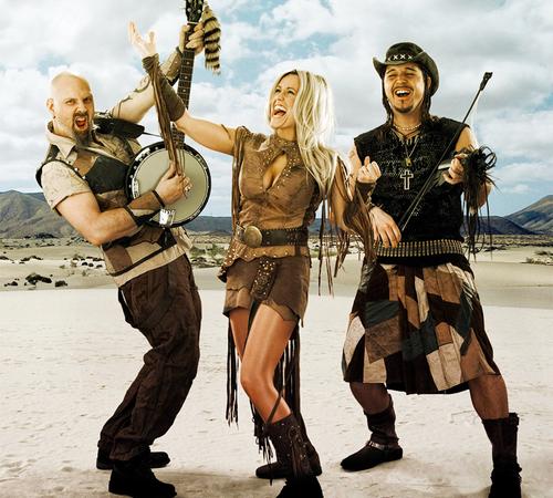 rednex, un groupe de musique fictif suédois qui atteint une renommée internationale grâce au titre &quot&#x3B;cotton eye joe&quot&#x3B; en 1995