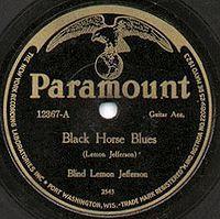label paramount, un label de musique américain célèbre pour ses enregistrements de jazz et de blues