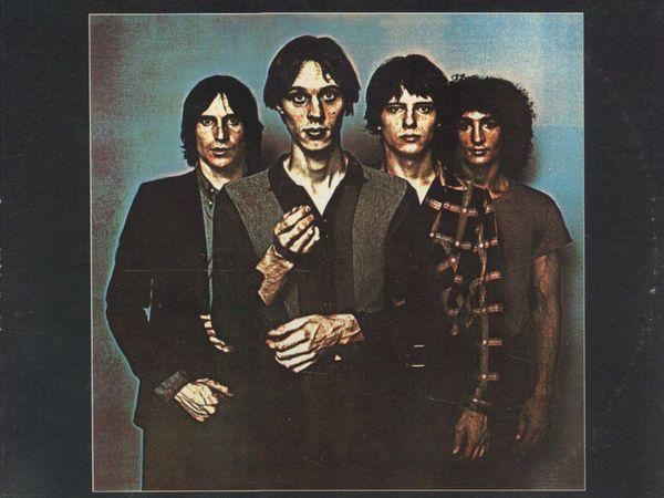 television, un groupe de rock new-yorkais formé en 1973 au départ par tom verlaine et richard hell
