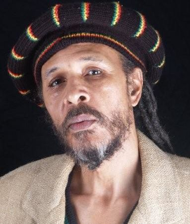 willi williams, un chanteur et producteur de reggae jamaïcain en collaboration avec brain damage