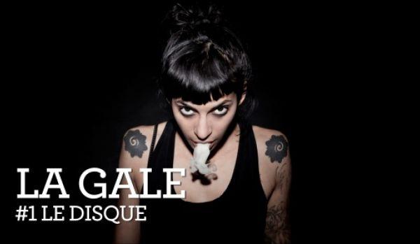 la gale, une rappeuse apatride mi-libanaise, mi-suisse et ezn mouvance mi-punk, mi-rap