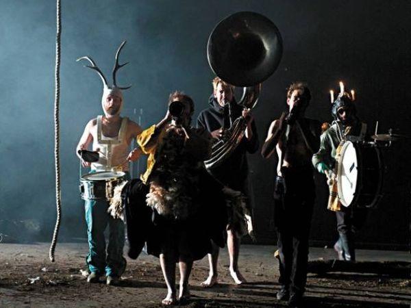 le raoul collectif, un groupe d'acteurs/créateurs formé en 2009 en belgique qui st associé au théâtre nationel de belgiqur
