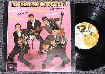 les chacals de bethune, ils furent connus sous le nom albert et sa fanfare poliorcétique, des titres à forte couleur rock