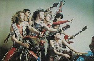 trash, un groupe de hard-rock français de la région parisienne qui possédait un matériel très imposant de 5 tonnes