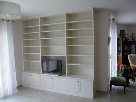 une biblioth que murale laqu e blanc dans l eure. Black Bedroom Furniture Sets. Home Design Ideas