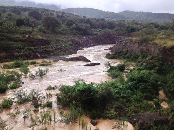 Montserrat - lahars dans la Belham Valley - photos MVO - un clic pour agrandir.