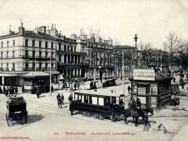 Tramway à Toulouse, Choisy le Roi, Toulon, Bordeaux (Cliquez sur les photos pour les agrandir)