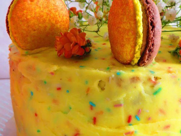 Layer cake fleuri aux 3 chocolats