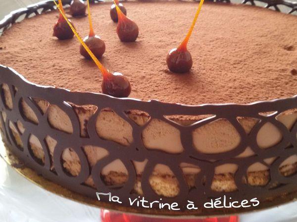 Bavarois au chocolat, daquoise amandes et croustillant praliné