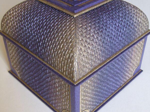 L'album photo spécial boite mansard en forme de dôme.