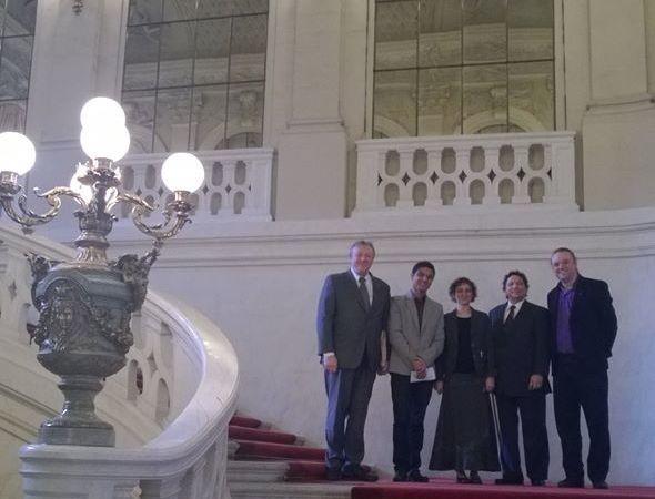 L'équipe Feeling Musique dans le grand escalier des salons de la Présidence du Sénat