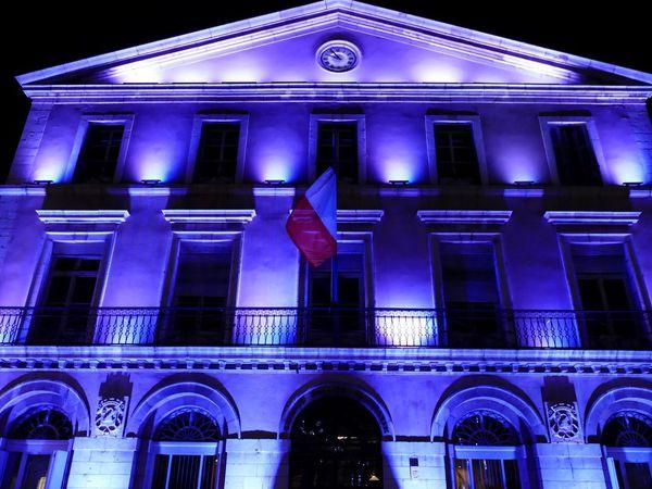 illuminations près de l'hôtel de ville ( décembre 2016, images personnelles)