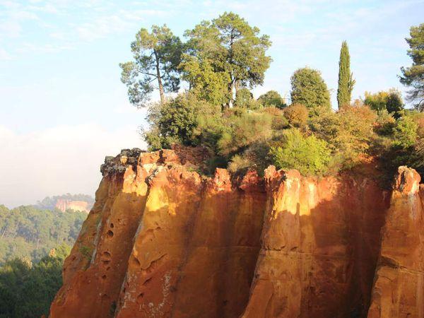 .... à Roussillon, au pays de l'ocre...
